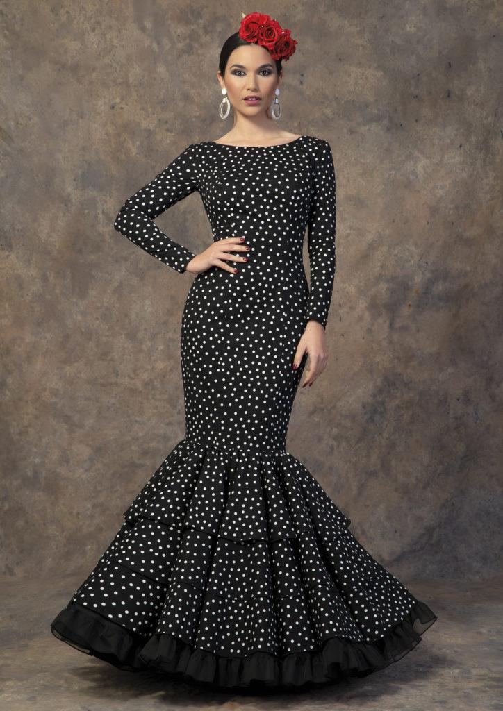 Traje de flamenca negro con lunares de Aires de Feria. Modelo Albero.