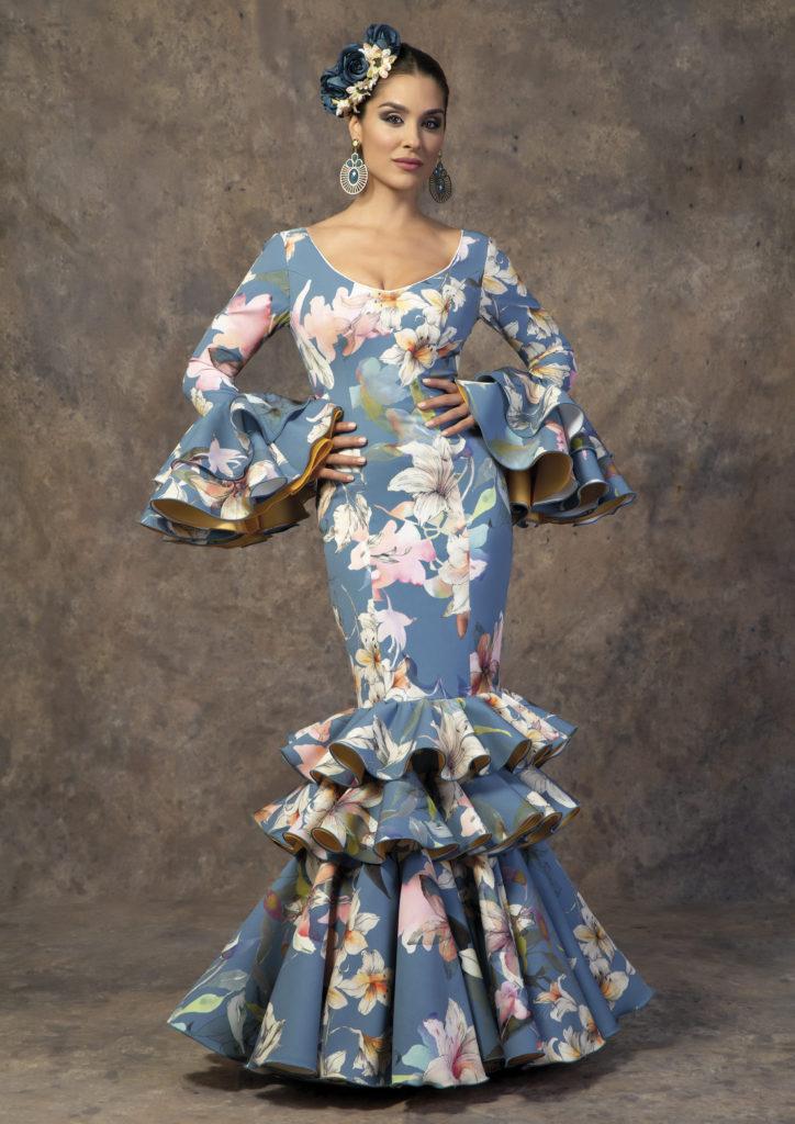 Traje de flamenca estampado flores de Aires de Feria. Modelo Poema.