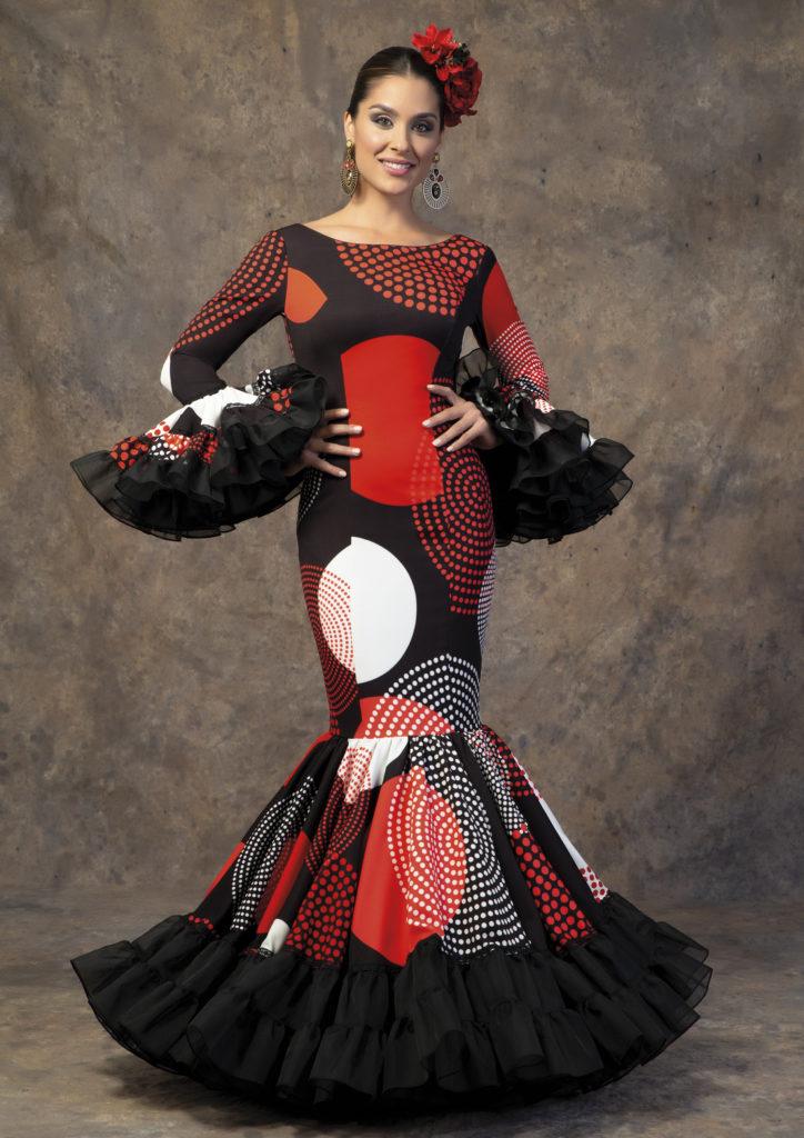 Traje de flamenca negro con lunares de Aires de Feria. Modelo Relente.