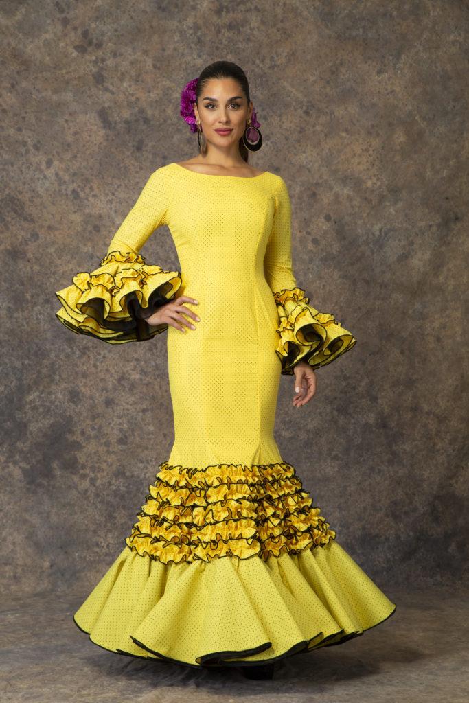 Traje de flamenca amarillo de Aires de Feria 2019. Modelo Iusiones.